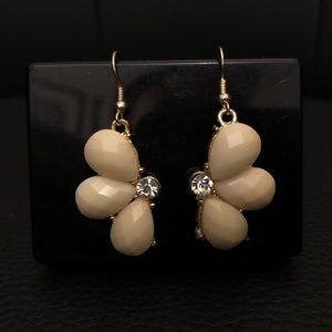 Jewelry - IvoryColor Flower Earrings